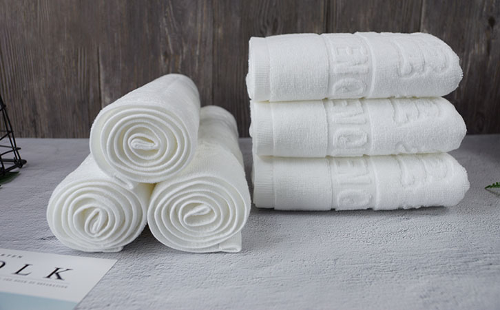 Which bath towel and bathrobe are better?